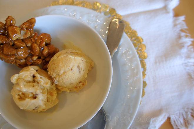Cashew Brittle – Vanilla ice cream |