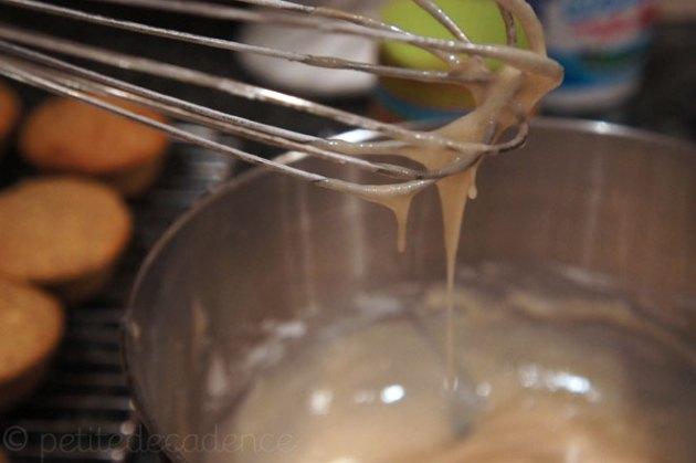 Cream vanilla glaze