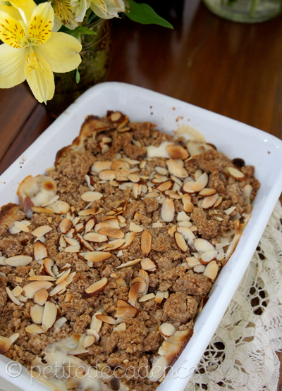 Whole wheat banana and cream crumble