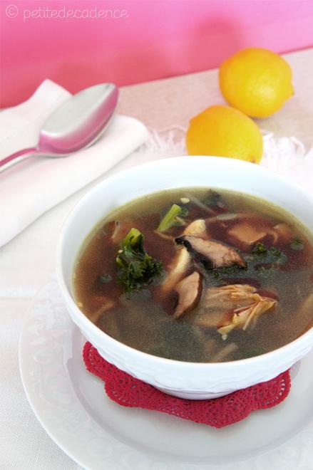 Kale portobello protein soup