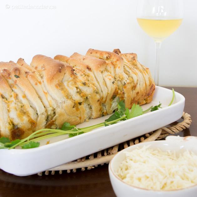 Comeback – Super quick artichoke cheese pull apart bread